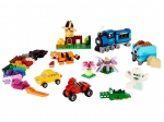 LEGO® Classic Medium Creative Brick Box (10696-1) released in (2015) - Image: 1