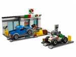 LEGO® Town Service Station (60132) released in (2016) - Image: 4