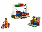 LEGO® Town Service Station (60132) released in (2016) - Image: 7